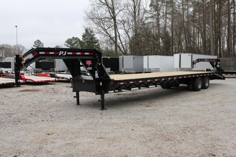 2019 PJ Trailers 36ft FD 24K Equipment Trailer w/Flip-over Ramps