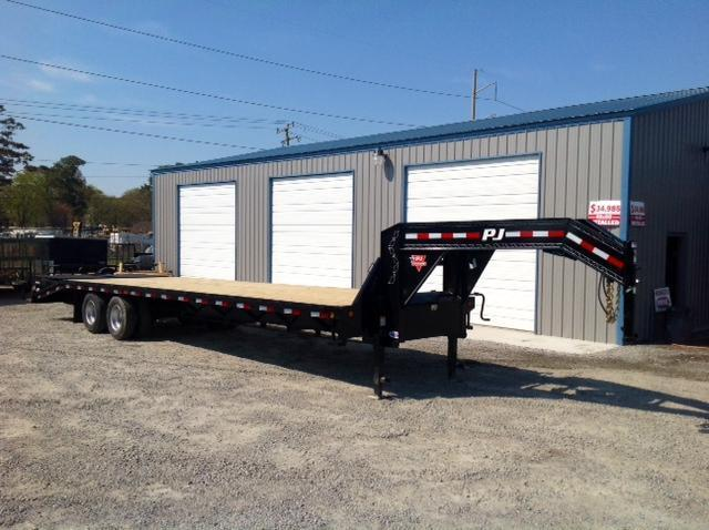 2018 PJ Trailers 32ft FD Gooseneck w/ Monster Ramps