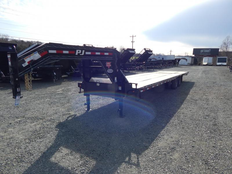 2019 PJ Trailers 34' LY Low Pro Gooseneck w/ Hydraulic Dove