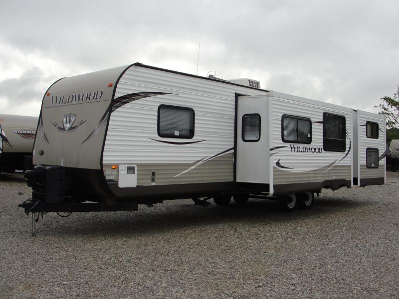 2013 Wildwood 31BKIS Travel Trailer