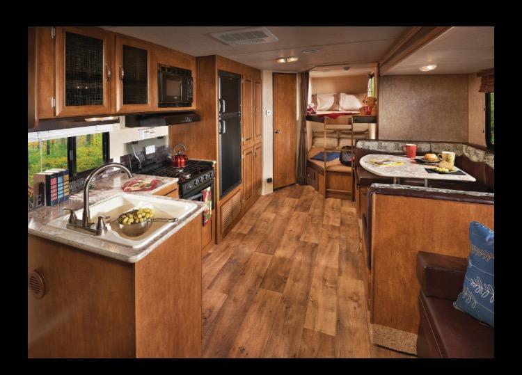 2016 Wildwood X-Lite 263BHXL Camping / RV Trailer