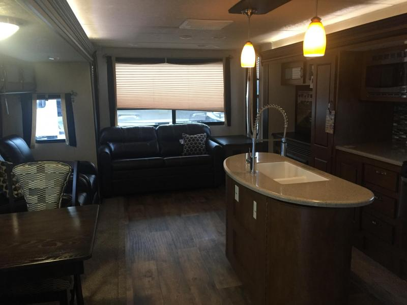2017 Wildwood 27REIS Travel Trailer