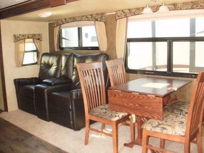 2014 EverGreen Recreational Vehicles Ever-Lite 275FLS Camping / RV Trailer