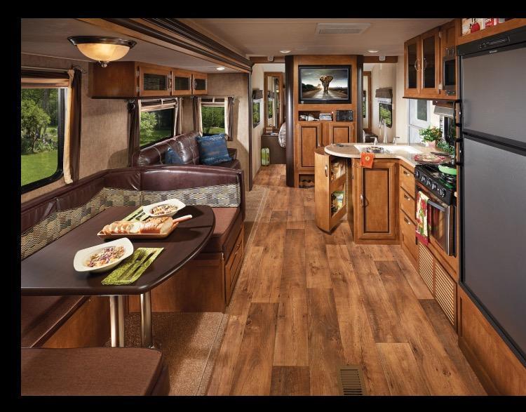 2016 Wildwood 28DBUD Camping / RV Trailer