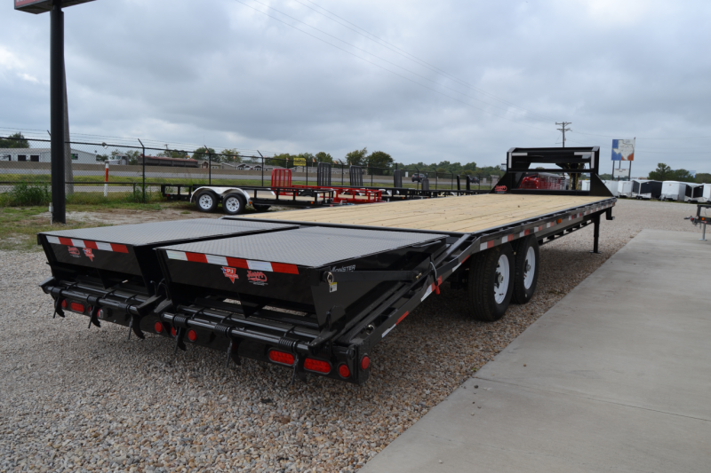2017 pj 102 u0026quot x30 u0026 39  gooseneck flatbed monster ramps