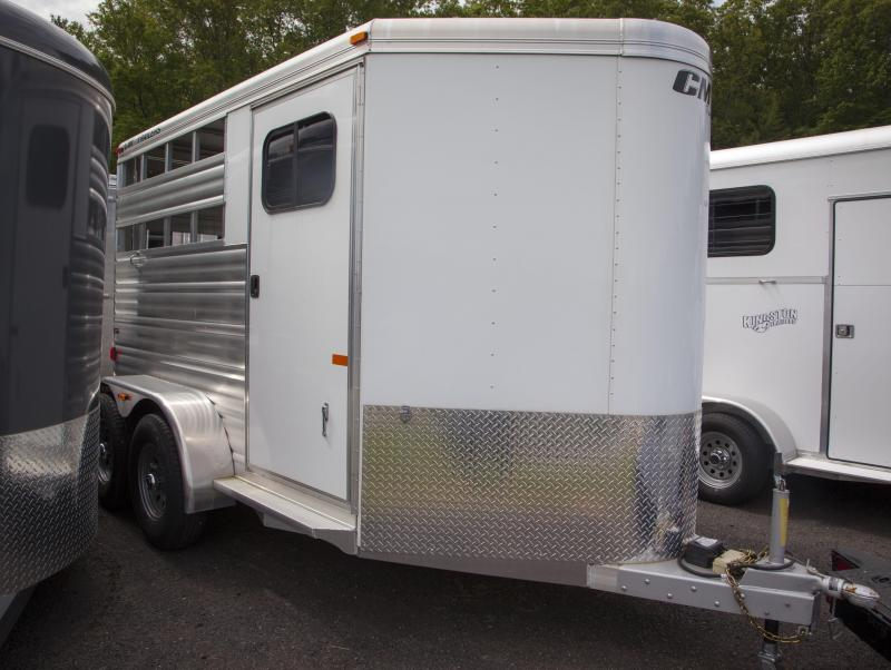 2016 CM Dakota ALV Horse Trailer