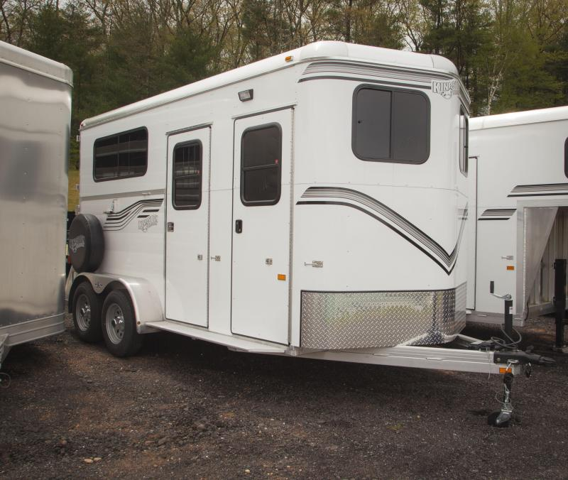 2017 Kingston Trailers Inc. Classic Elite 2 Horse Trailer w/Dressing Room