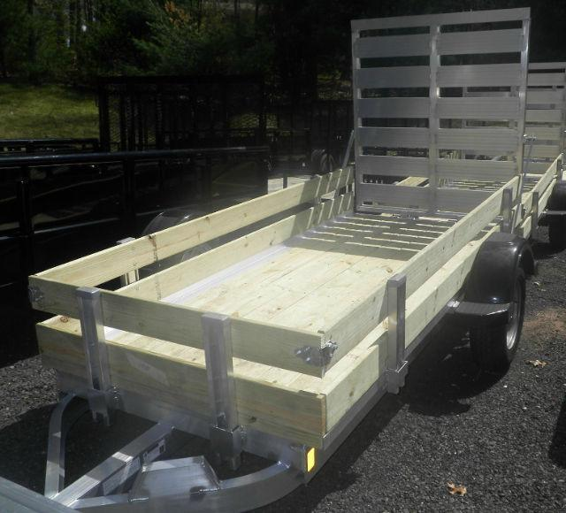 2016 Worthington 4.5' x 10' Utility Trailer