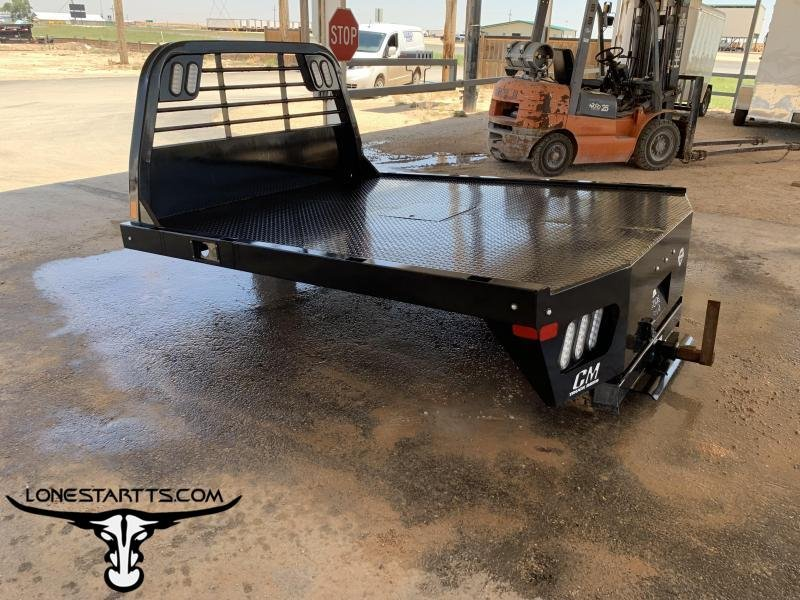 2019 CM Smooth Rail Flatbed