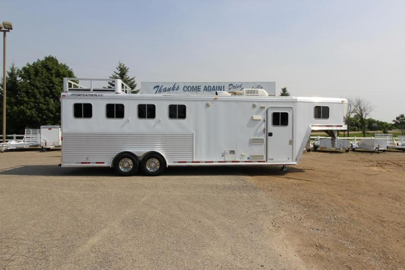 2006 Featherlite 4HR 8 LQ Horse Trailer