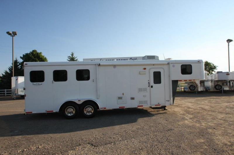 2011 Bison Trailers Living Quarter Horse Trailer