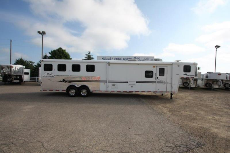 2006 Bison 4 horse with 15' Living Quarter
