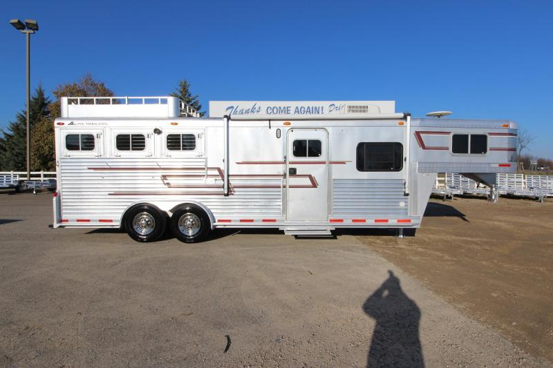 1998 Elite Trailers 3HR 10' LQ Horse Trailer