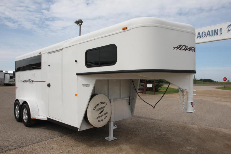 2006 Trails West Manufacturing 3HR Stock/Combo GN Horse Trailer