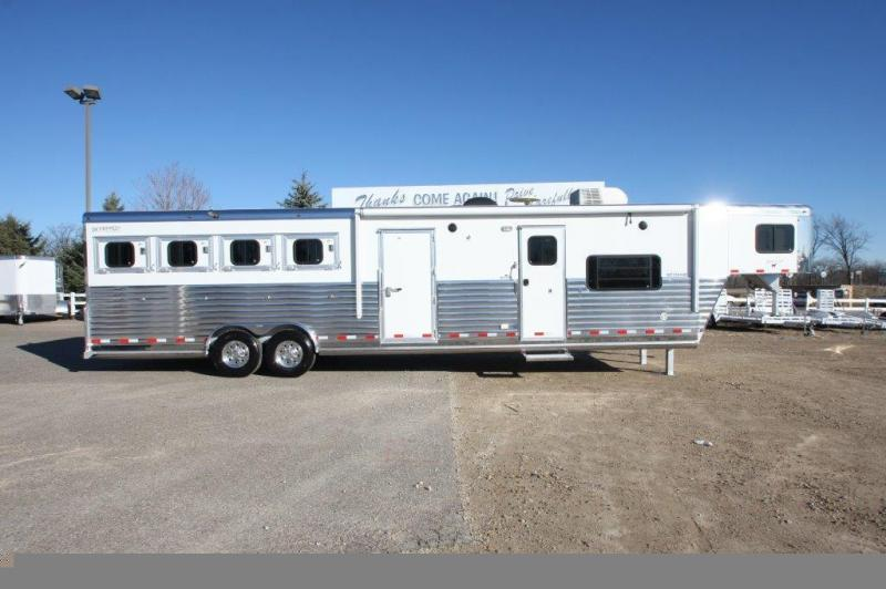 2007 Integrity 4 Horse with 14' LQ with side tack