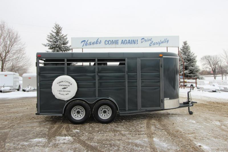 2018 Calico Trailers 17 Stock/Combo D/R Horse Trailer