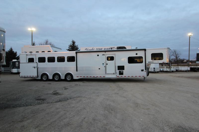 2019 Sundowner Trailers 5HR 16 LQ Horse Trailer