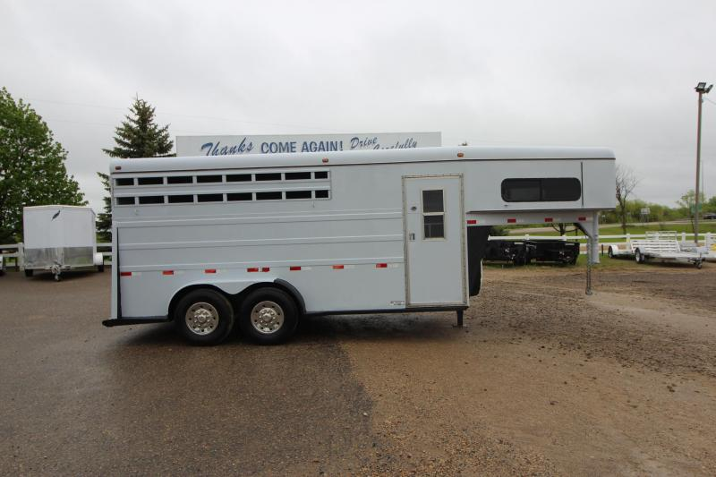 1996 Travalum 3HR GN Horse Trailer