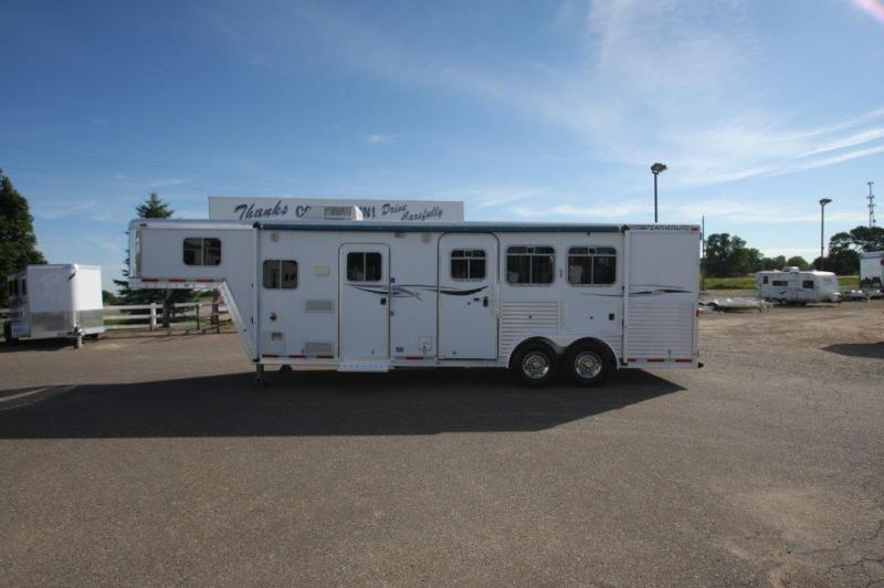 2003 Featherlite 3 horse with 10' Living Quarter