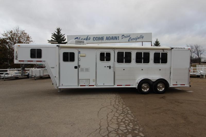 2006 Featherlite 8546 4HR 6 LQ Horse Trailer