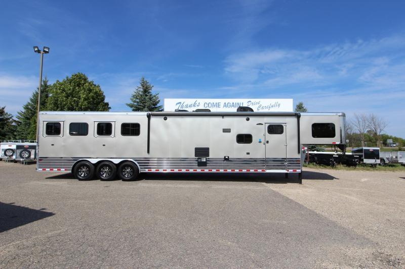 2016 Sundowner Trailers 4HR 17' LQ Horse Trailer