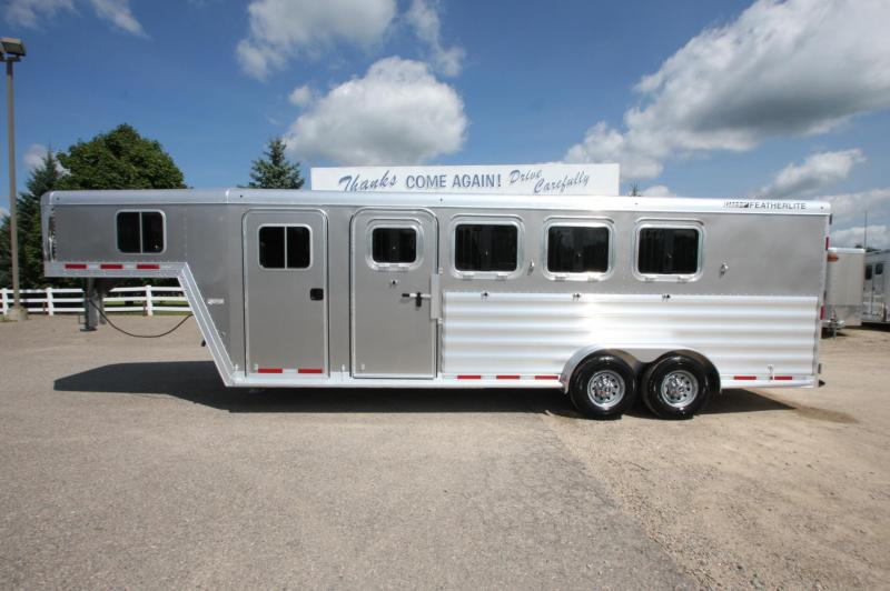 2018 Featherlite 4HR GN 52 DR Horse Trailer
