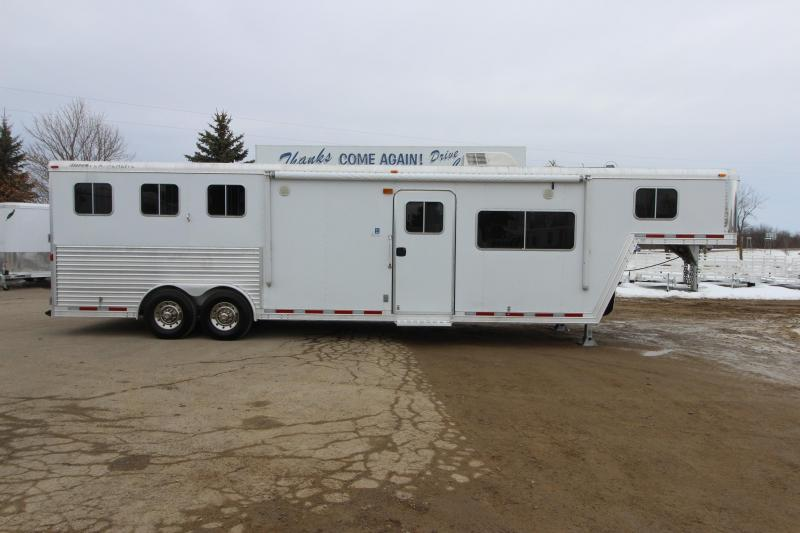 2007 Featherlite 3HR 13 LQ Horse Trailer