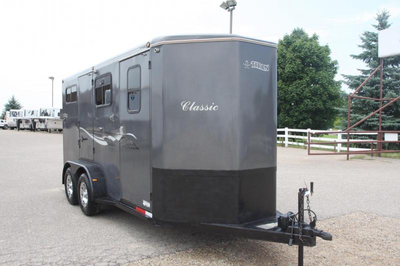 2003 Titan Trailers 2 HR BP Horse Trailer