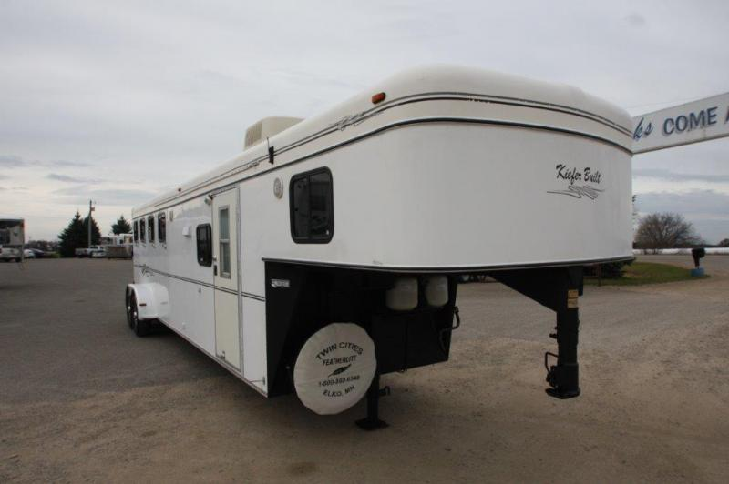 1999 Kiefer Built 4 horse with 9