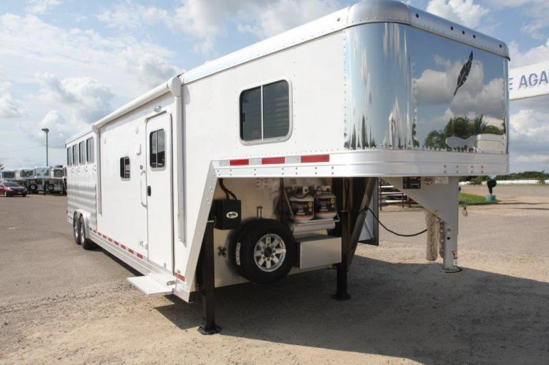 2016 Featherlite 4 horse with 11