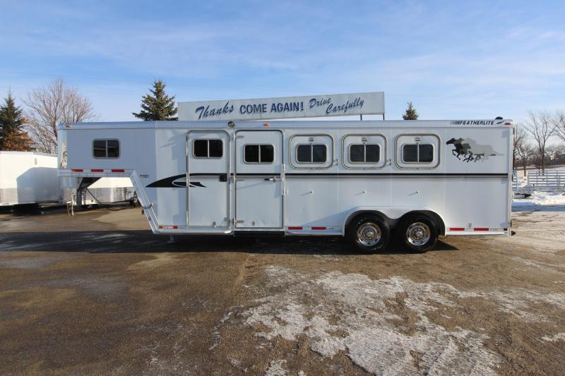 1997 Featherlite 4HR GN Horse Trailer