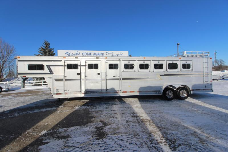 1995 Sundowner Trailers 6HR MT Horse Trailer