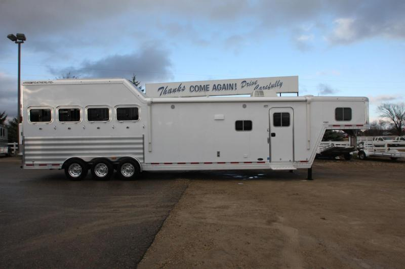 2016 Featherlite 4HR 15.5 Sierra LQ Horse Trailer