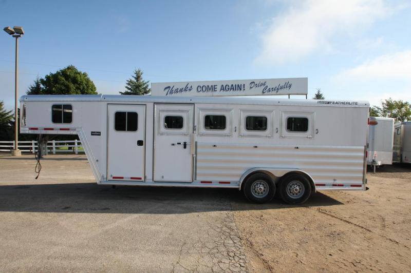 2017 Featherlite 8542 4HR GN Horse Trailer