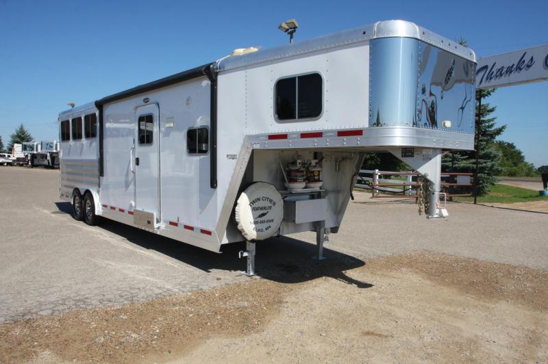 2015 Featherlite 8581 3HR 11.5 LQ Horse Trailer