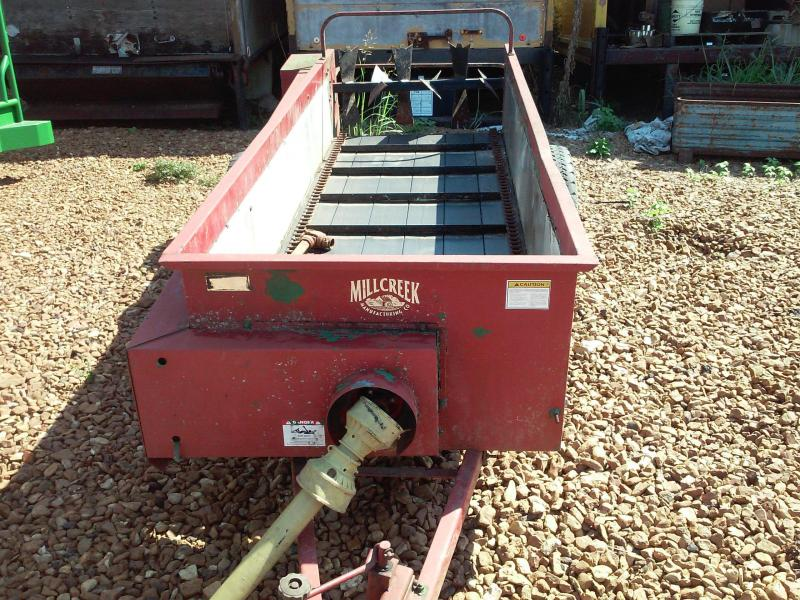 Millcreek 8' manure spreader