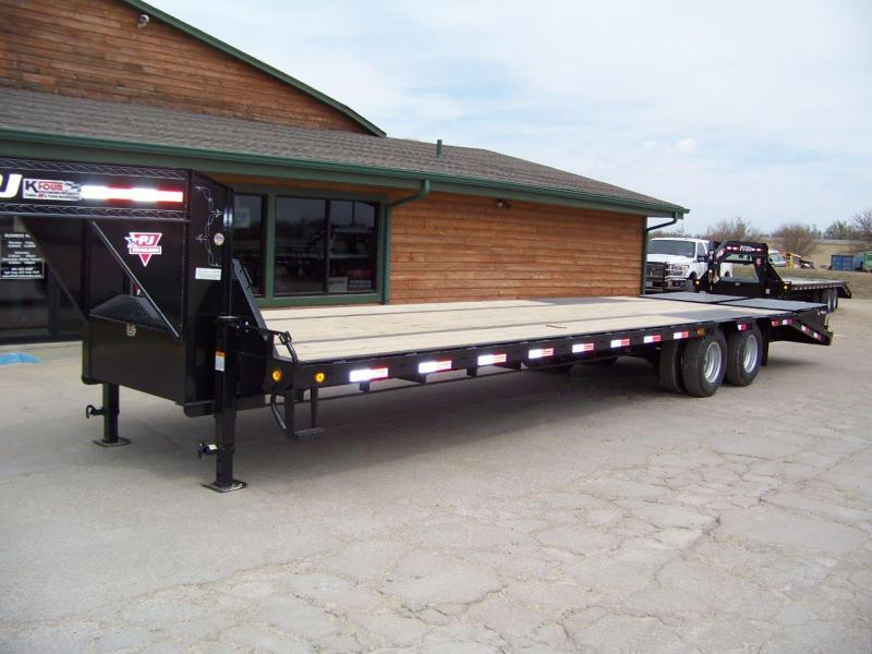 2019 PJ 32' [LD] Low-Pro Flatdeck with Duals Trailer