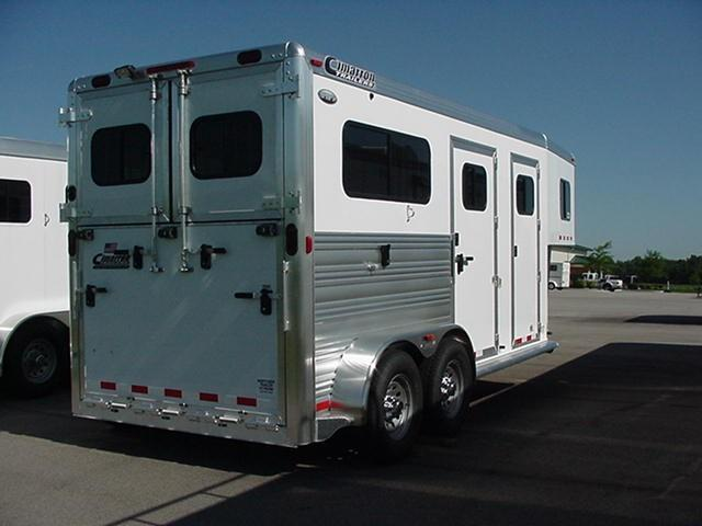Cimarron  2H Straight Load Gooseneck Warmblood Size Horse Trailer