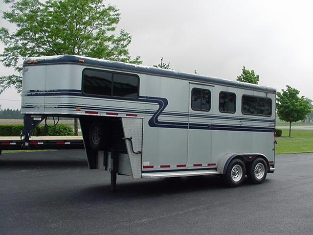 2007 Hawk Trailers Classic Elite Two Horse Straight Load GN Horse Trailer