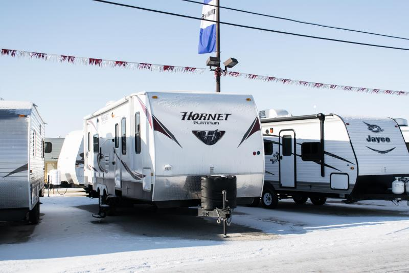 2012 Hornet 28RLS Platinum Series Couples Model Travel Trailer