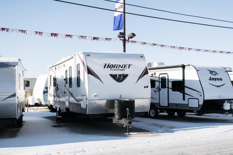2012 Hornet 28RLS Platinum Series Couples Model Travel Trailer