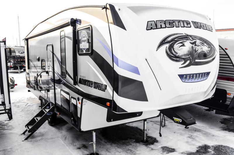 2018 Arctic Wolf Limited 265DBH8 5th Wheel Coach