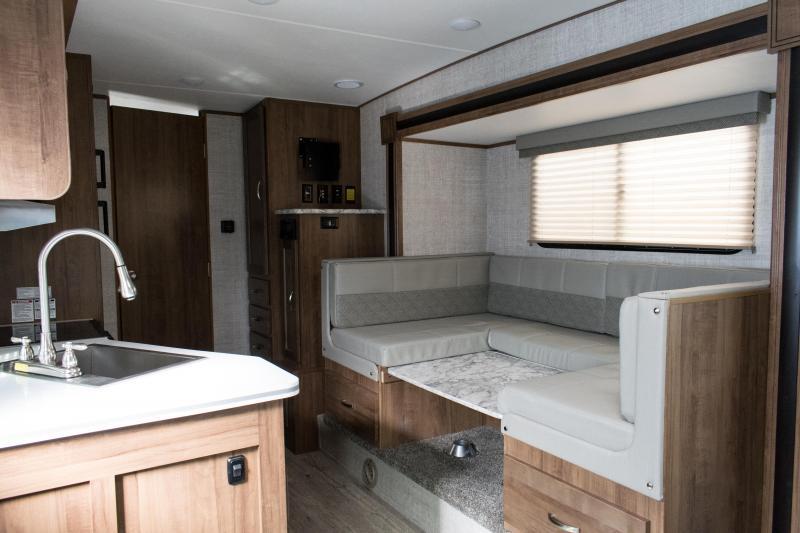 2021 Gulf Stream Vista Cruiser 23MBS Couples Model Travel Trailer RV