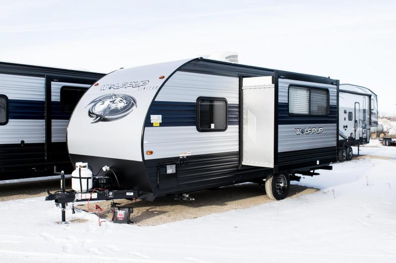 2020 Cherokee Wolf Pup 16PF Travel Trailer W/Slide-out