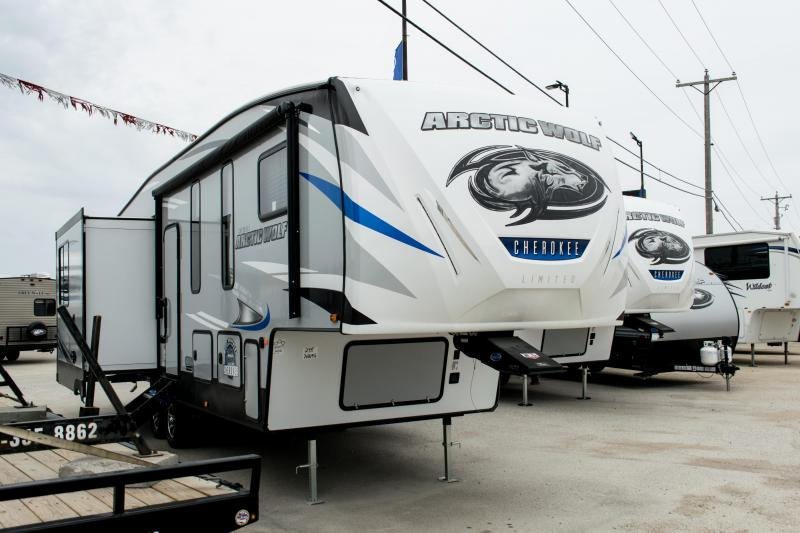 2019 Arctic Wolf Limited  295QSL8 5th Wheel Coach