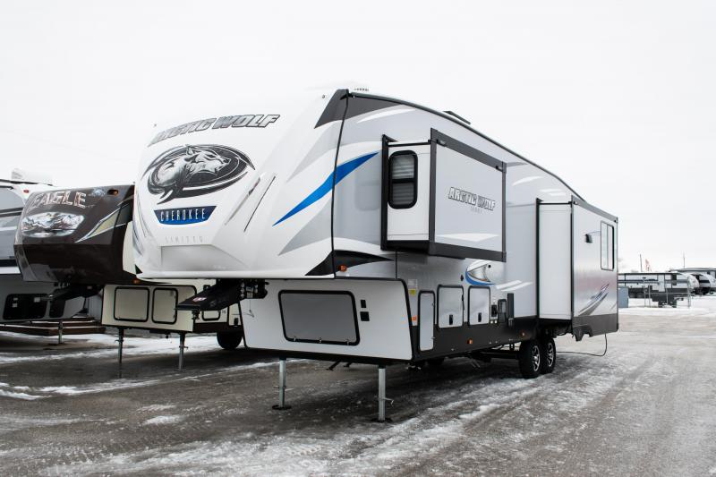 2020 Arctic Wolf Limited 3550 Suite Series 5th Wheel Campers RV