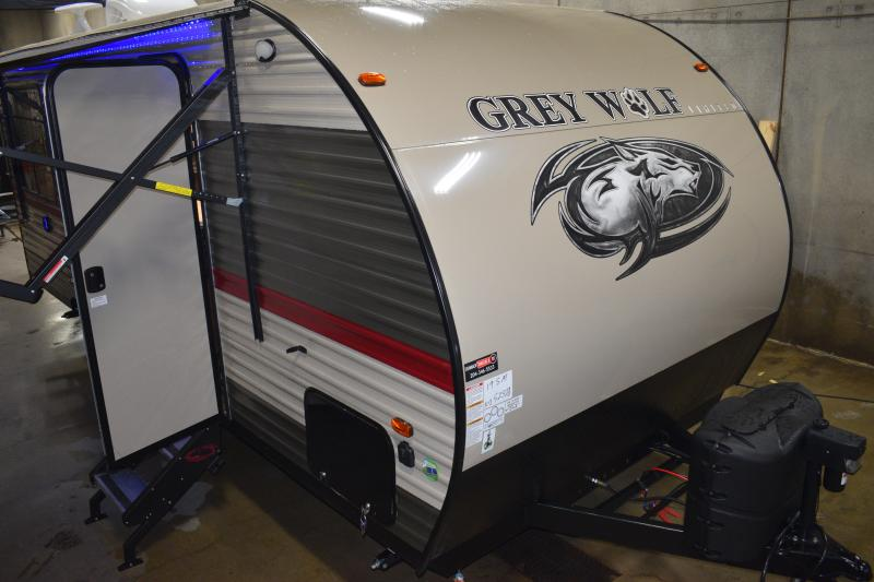 2018 Cherokee Grey Wolf Limited 19SM Travel Trailer