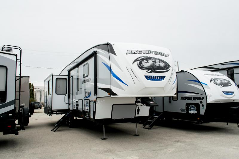 2020 Arctic Wolf Limited 2850 Suite Series 5th Wheel