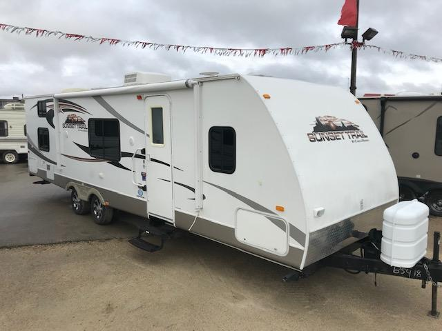 2011 Crossroads Sunset Trail 29QB Ultra-Lite Bunk Model Camper Trailer