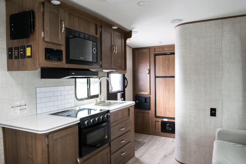 2021 Gulf Stream Vista Cruiser 19CSK Travel Trailer RV